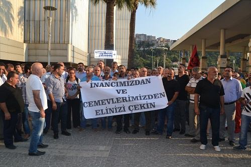 İzmir Alevilerin cemevi protestosu