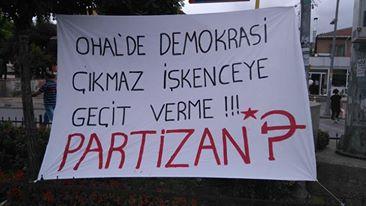 sarıgazide partizan işkenceye karşı pankart