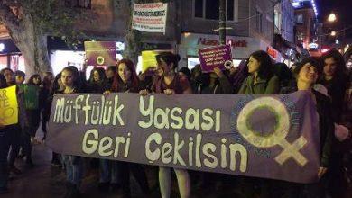 kadınlar yasa tasarısını protesto ettiler