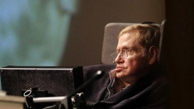 fizik profesoru stephen hawking hayatini kaybetti