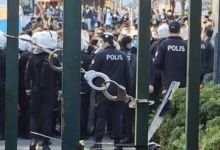 Photo of ALİ DURAN TOPUZ   Kelepçeli kapı, kırık duvar